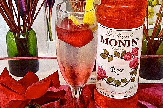 MONIN Recipe: Strawberry Rose Sparkling Soda